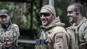 Joueur_Airsoft_Happy